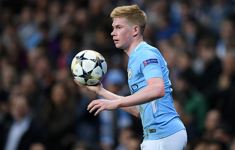 Kevin de Bruyne with the ball in hand